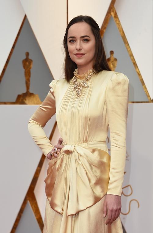 afp.17.02.27. - Hollywood, USA: 89. Oscar-díj - érkezés - Dakota Johnson - Oscar-díj 2017