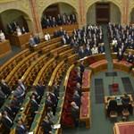 Az ellenzék többsége is megszavazta a havi 200 ezer pluszt magának