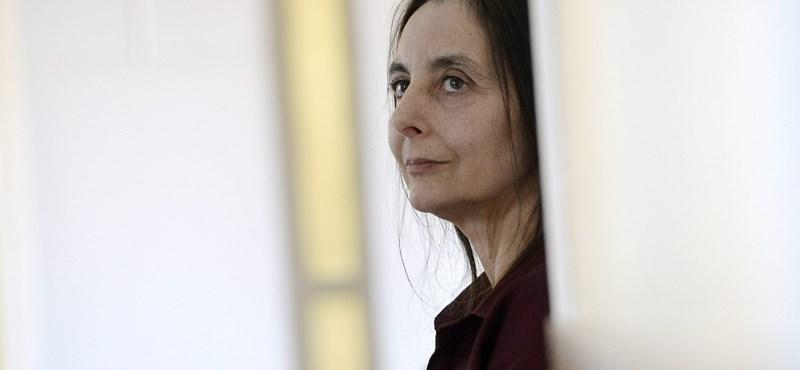 Megint eltiltották foglalkozásától az otthonszülés magyarországi úttörőjét