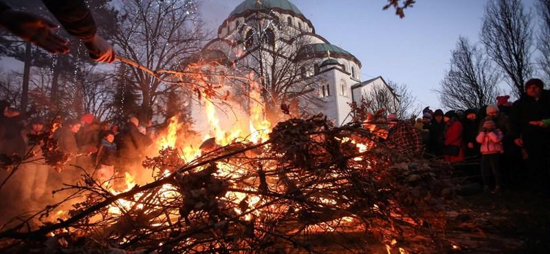 Ezrek tüntetnek Montenegróban az egyházügyi törvény ellen