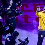 Visszavonultatták Kobe Bryant mezét – videó