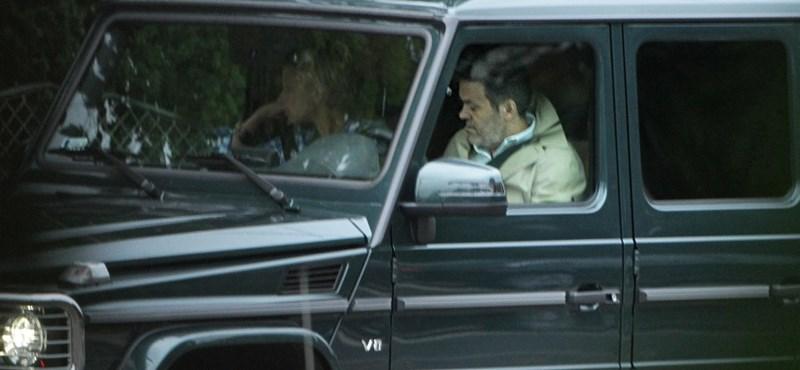 Lefotóztuk: Habony Mercedesre váltott a Lexus és az Audi után