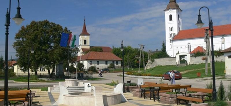 Szökőkutat kapott munka helyett a magyar falu