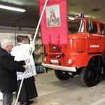 Egy tűzoltó IFA-t adott át Czunyiné