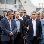 Orbán mindeközben stadionépítő üzletembereket méltat a Facebookon