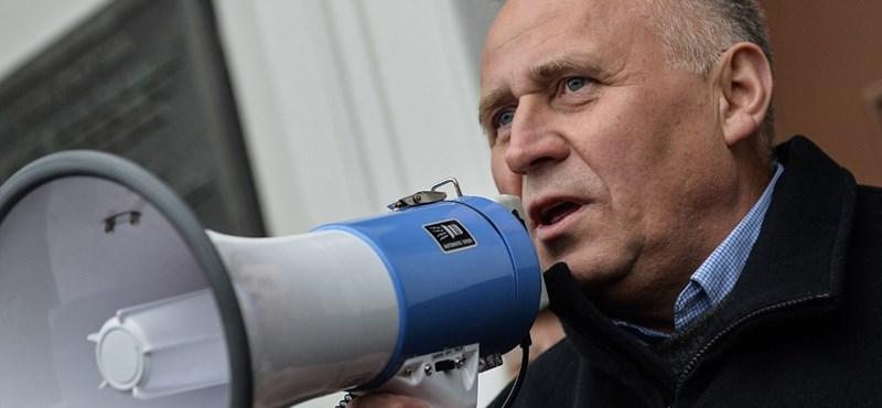 Indoklással sem fárad a fehérorosz bíróság, úgy tartanak fogva ellenzéki politikusokat