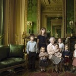 Hatvanöt éve uralkodik II. Erzsébet