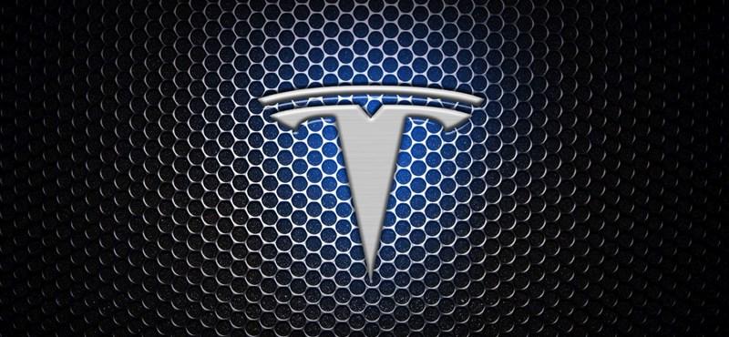 Remek funkciót kapott a Tesla otthoni akkumulátora: felkészül a viharra, hogy ne legyen áramszünet