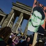 Ügyvéd: Snowden nem kereskedett a titkos adatokkal