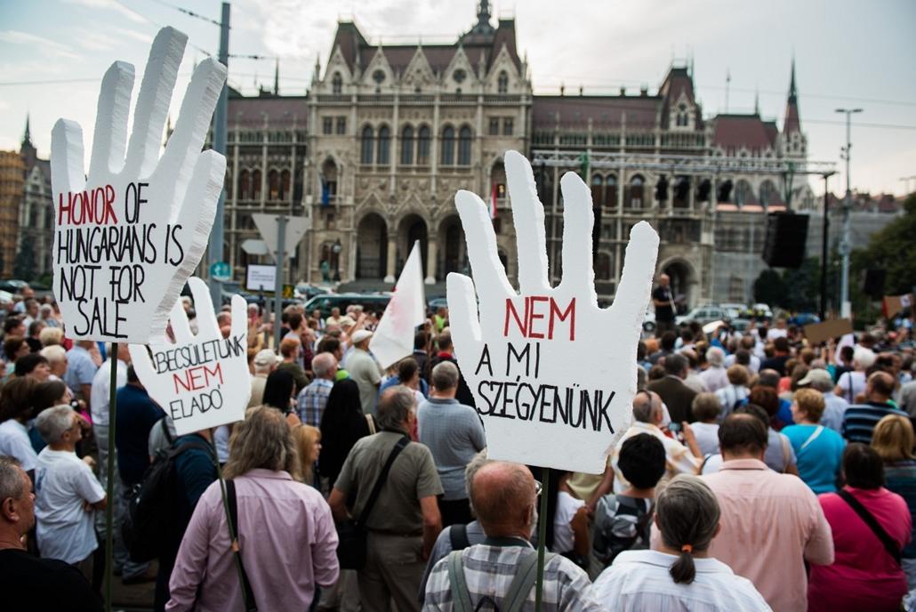 2012.09.04. - örmény szimpátiatüntetés / kormány elleni demonstráció - az Azerbajdzsánnak kiadott Ramil Safarovot szabadon bocsátásáért - évképei