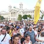 Országos diáksztrájkot hirdettek a Kossuth téri tüntetésen