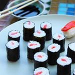 Kitiltottak egy all you can eat étteremből egy triatlonistát, mert megevett száz tál szusit