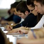 A hallgatók szerint szigorítani kell a tanári alkalmassági vizsgát