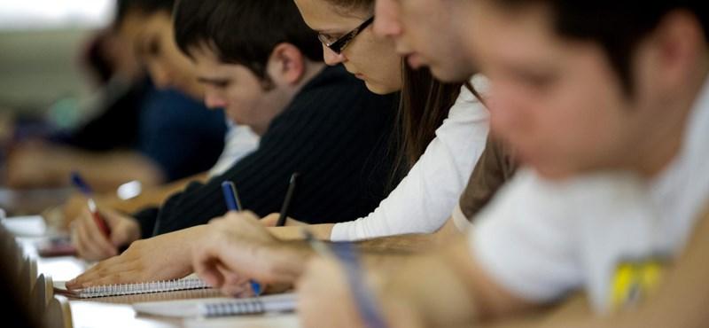 Felvételi: ezekre a felsőoktatási szakképzésekre volt a legnehezebb bekerülni