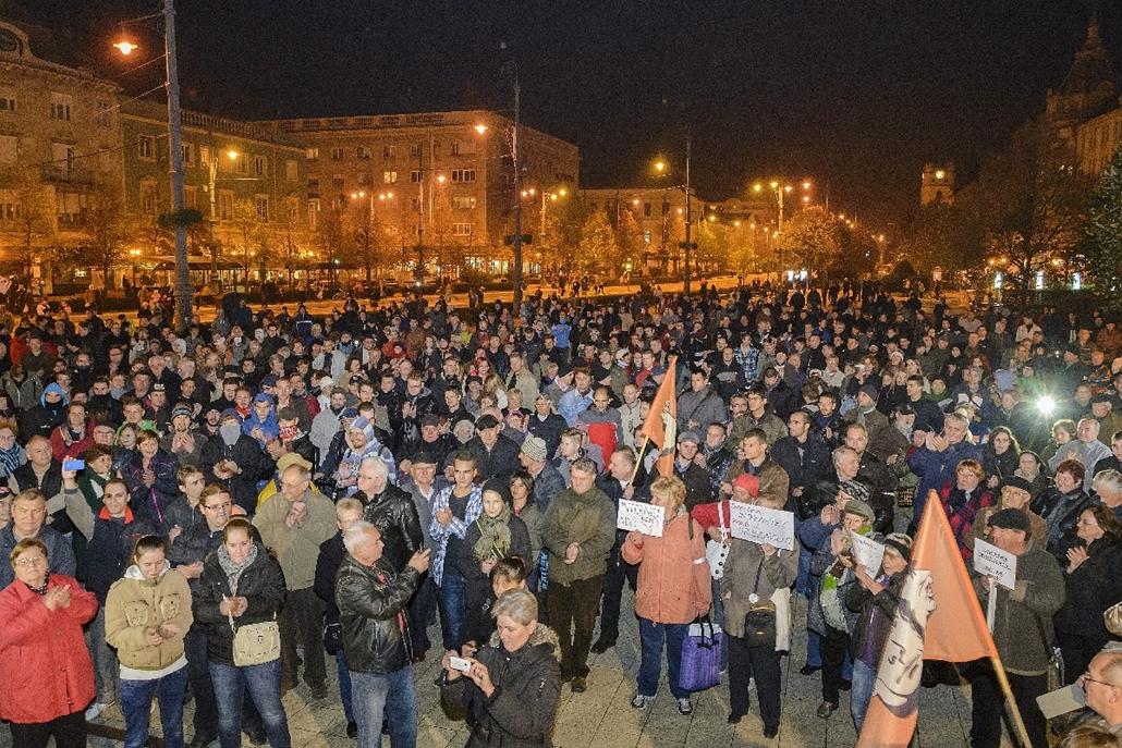mti.14.10.28. - Debrecen: második tüntetés az internetadó ellen