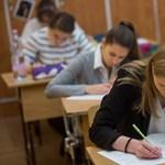 Több mint 83 ezer diák kezdi meg az érettségit