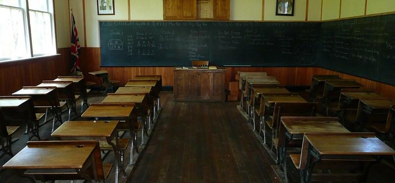 Mexikóban 3000 iskolában függesztették fel a tanítást a trópusi vihar miatt