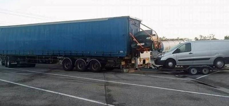 Fotó: Ezt az autószállítmányt próbálja meg valaki felülmúlni