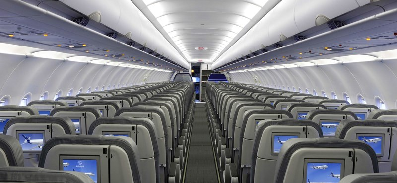 """Felszámolja a """"rettegett"""" középső ülés kényelmetlenségét az egyik légitársaság"""