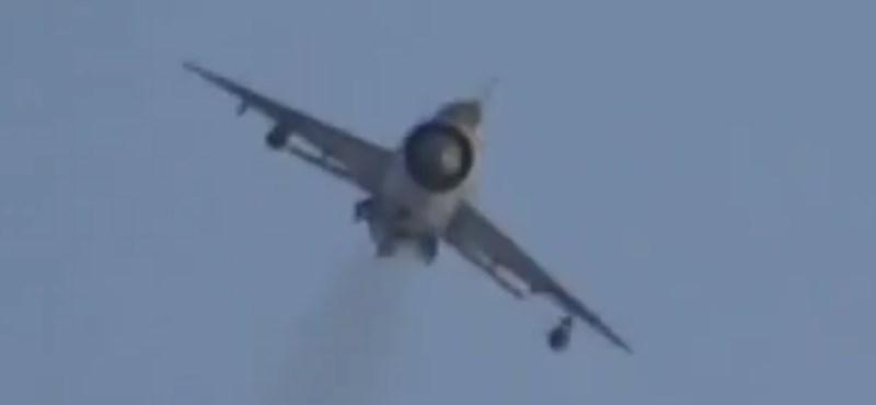 Ha egy MIG-21-es rádfordul, baj van – videó
