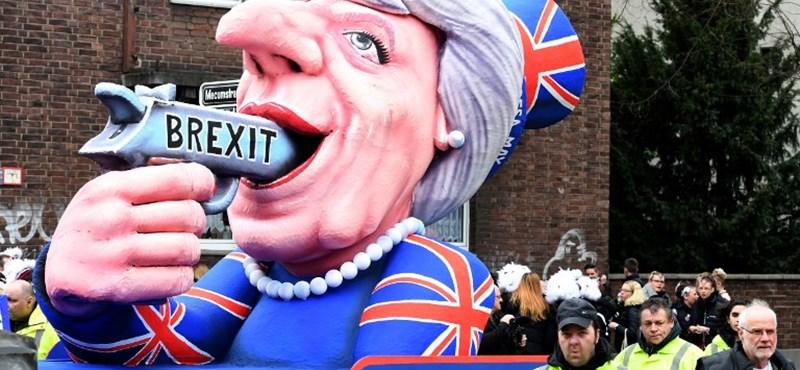 Így csináltak magukból hülyét a Brexit-pártiak
