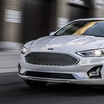 A divatterepjárók írhatják alá a Ford Mondeo halálos ítéletét