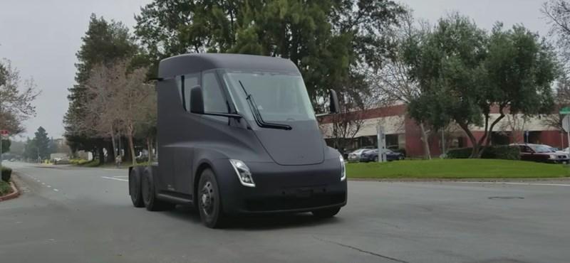 Videó: már a közúton tesztelik a Tesla elektromos kamionját