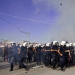 Kiűzték a tüntetőket a Taksim térről