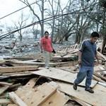 Több ezer tanárt rúgtak ki jogtalanul a természeti katasztrófa után