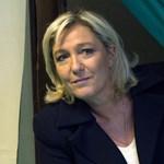 Az euró megszüntetését javasolja Marine Le Pen