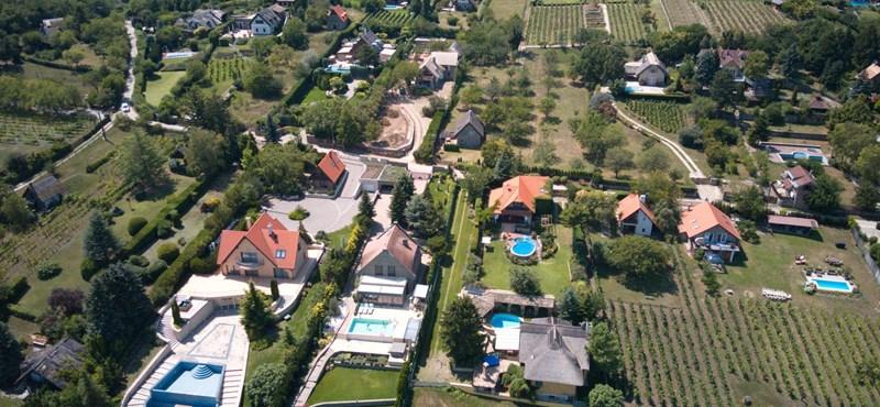 Meredeken nőnek az ingatlanárak a Balatonnál