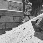 A Rubik-kocka is kapott egy miniszobrot Budapesten
