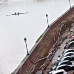 Óriásit szívott néhány parkoló autó gazdája ma reggel Firenzében – fotók