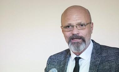 Zacher Gábor: Tök mindegy, melyik vakcinát kapjuk