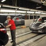 Új Nissan Leaf: a brit kormányfővel együtt tapogattuk