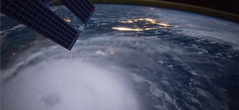 Látványos űrfelvételt közölt a NASA egy hurrikánról - fotó