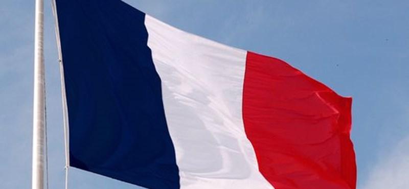 Betiltaná a francia zászlót egy joghallgató Nagy-Britanniában