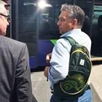 Fotó: Orbán megint hátizsákot váltott