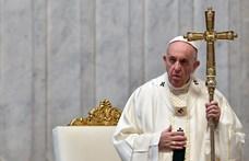 A pápa szerint szentek a járványbetegeket segítő orvosok és papok