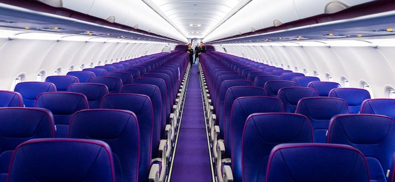 Felháborította a volt Cimbora-műsorvezetőt, ahogyan a Wizz Air járatán a vak fiával bántak