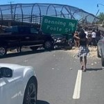 Összeomlott egy gyalogoshíd Washingtonban, többek megsérültek