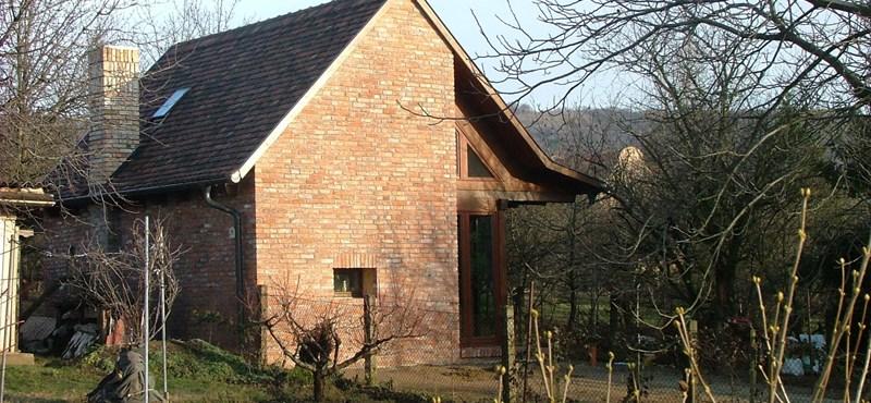 Családi ház bontott építőanyagból, olcsón - mit, hol, mennyiért?