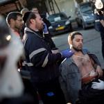 10 embert késeltek meg egy izraeli buszon