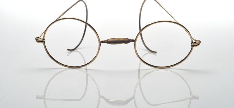 Valakinek megért 50 ezer dollárt Monet szemüvege – fotó