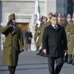 Gyásznap: Orbán Viktor megtekintette a díszzászlóaljat (fotók)