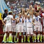Amerika villámrajttal nyerte a női focivébét