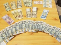 Túl sok készpénzt tartanak maguknál a magyarok