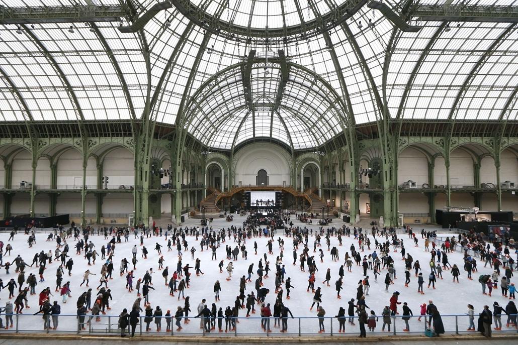 afp. hét képei - 2014.12.14. Grand Palais, Korcsolyapálya