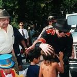 Ma nyomorban él a magyar kisfiú, akit Michael Jackson elhalmozott