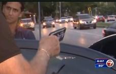 Ez aztán a sokoldalúság: iPhone-nal kényszerítettek földre egy autótolvajt